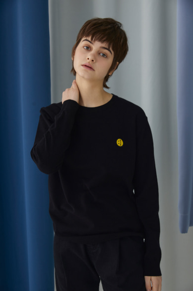 SM:]E PATCH SWEATER BLACK