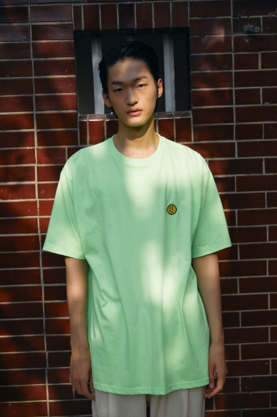 SM:]E PATCH OVERSIZED T-SHIRT NEON GREEN