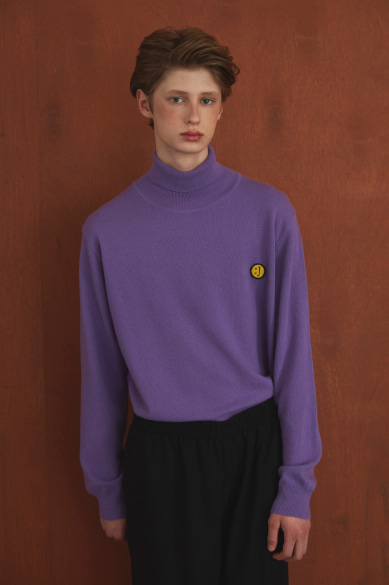 SM:]E PATCH TURTLENECK SWEATER LILAC