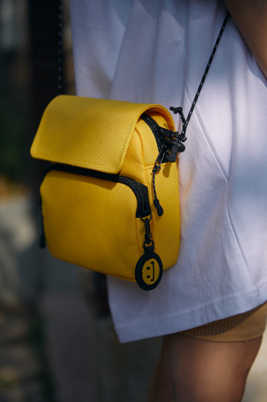 [구소정 착용] SACOCHE BAG YELLOW