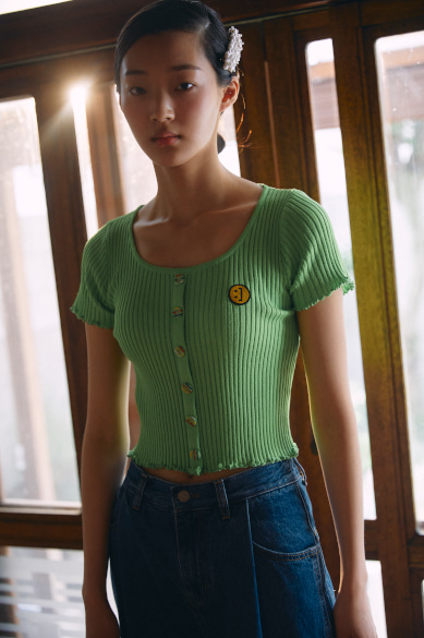 [전효성, 고소현 착용] BUTTON DETAIL RIBBED KNIT CROP TOP YELLOW GREEN
