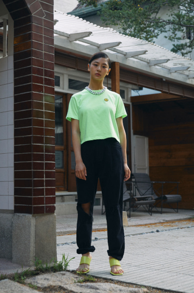 SM:]E PATCH CROP T-SHIRT NEON GREEN