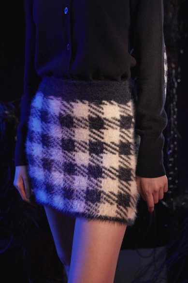 CHECK EYELASH YARN MINI SKIRT NAVY CHECK