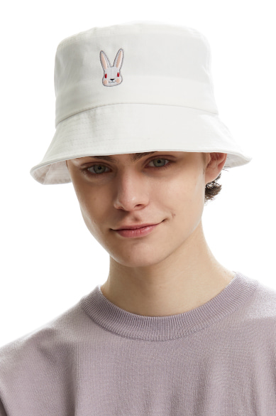 MOON BUNNY BUCKETHAT WHITE