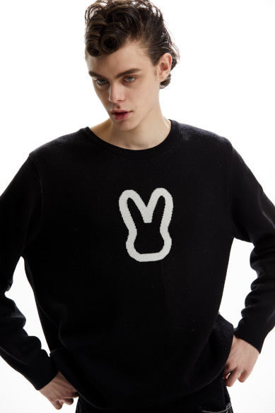 MOON BUNNY SWEATER BLACK